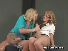 Super hot blonde babe goes crazy jerking part4