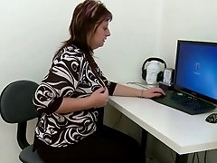chubby girl masturbates in front of  computer