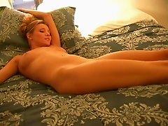 Cute Amateur girl masturbate