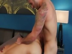 Hunk pornstar fucks this ass hard with his thick cock