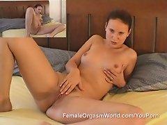 Claudi Rossi Masturbation and Multi-Cam Snapping Orgasm
