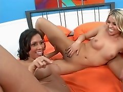 EDEN & RACHEL IN LESBI THREESOME...usb