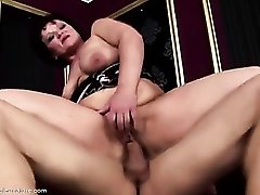Young dick butt fucks a dirty old lady
