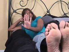 Amateur Ebony Chick Teasing Her Feet