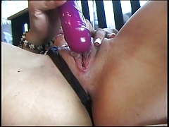 Hot babe dildo fucking her cunt