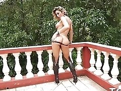 Hot horny shemale with a gorgeous booty shows body off