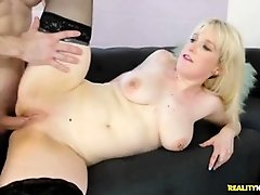Horny babe is screaming while getting fucked