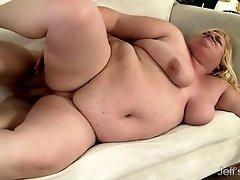 Horny BBW Joanna Roxxx rides a stiff cock