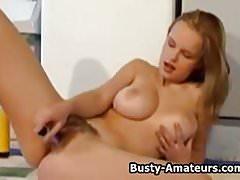 Busty amateur Peachers masturbates her pussy on cam