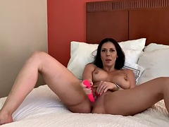 rachel starr strips and plays