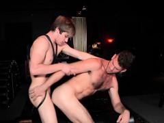 Cute twinks Jimmy Fanz and Johnny Rapid enjoy in fetish sex