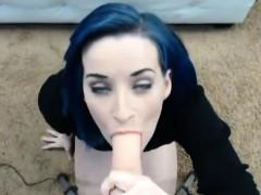 Enormous Dildo Made Her Orgasms