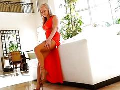 Melissa 4 xxx blonde mature fingers massage tits