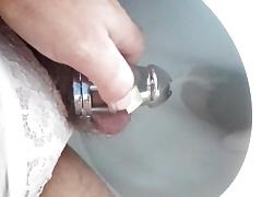 2017-08-25 A long sissy pee