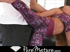Reena Sky has her pussy fucked in the gym