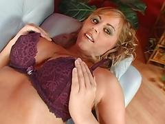 Alluring doll gives dude a nice rod riding