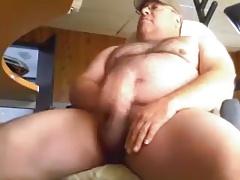 Sexy Bear Cums