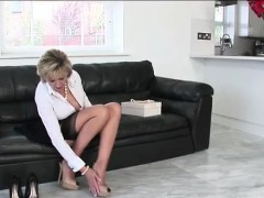 Lady Sonia masturbates and tries on heels