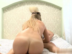 Nice girl orgasm sex