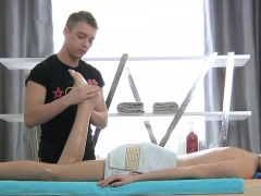 Gal is paying rubber lusty massage with blowjob