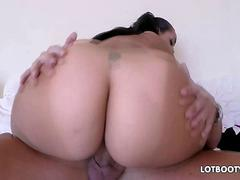 Unreal natural huge tits and thick booty of plump latina