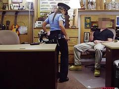 Police officer pounded at the pawnshop