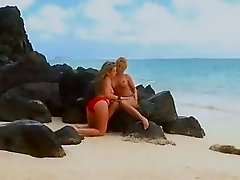 Saucy lesbians Carmen Luvana and Courtney Cummz tongue twat in the tide