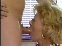 Middleaged German blonde likes to suck
